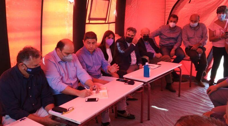 Επίσκεψη του Περιφερειακού Δ/ντη Εκπ/σης στο Αρκαλοχώρι στο πλαίσιο επαφών του για τον συντονισμό των ενεργειών αποκατάστασης των συνεπειών του σεισμού